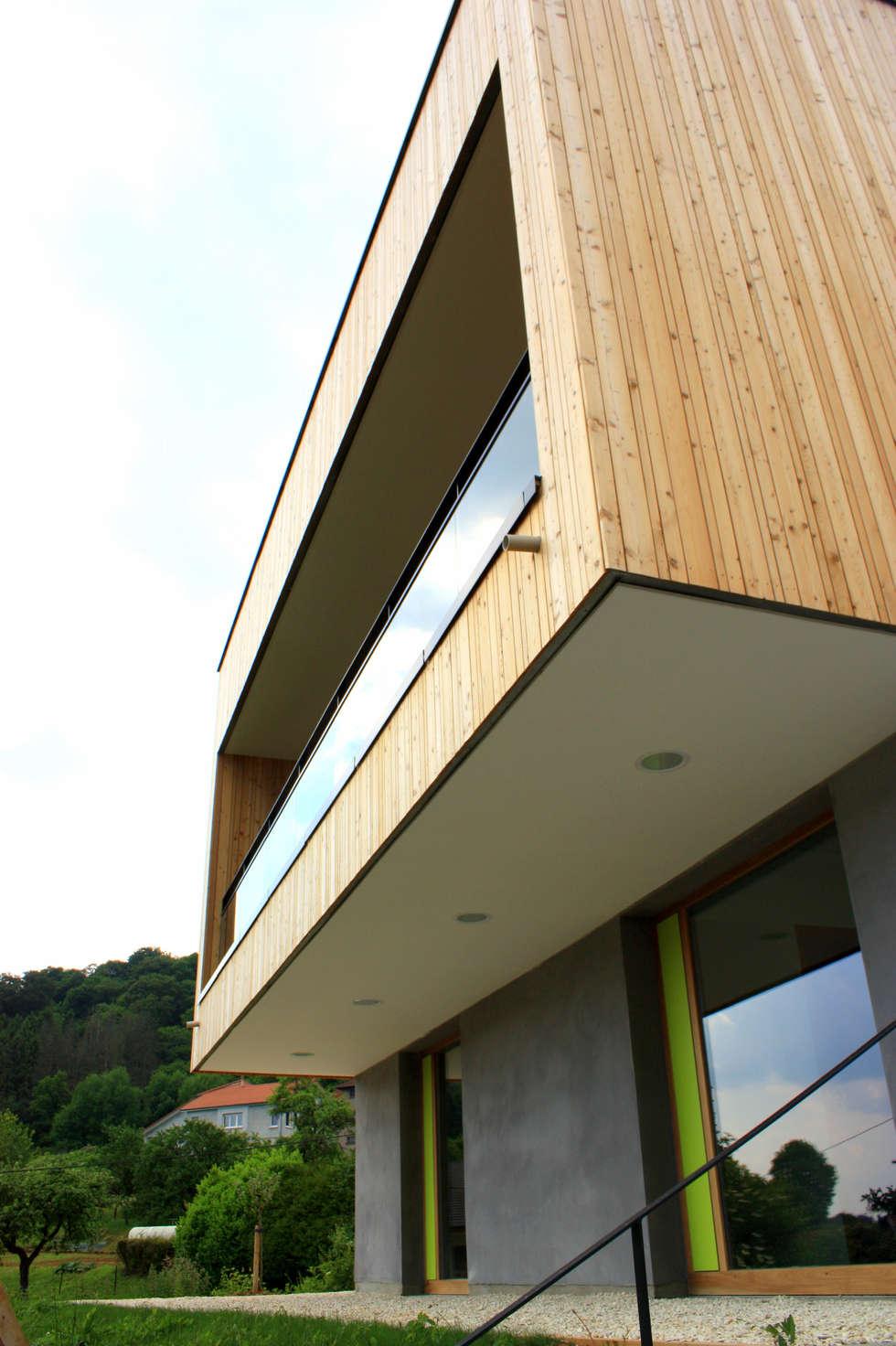 Porte-à-faux: Bureaux de style  par 3B Architecture
