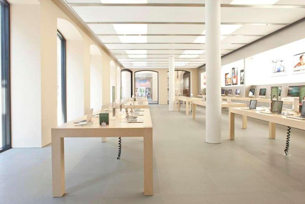 Apple Retail Store, Bologna: Spazi commerciali in stile  di gre