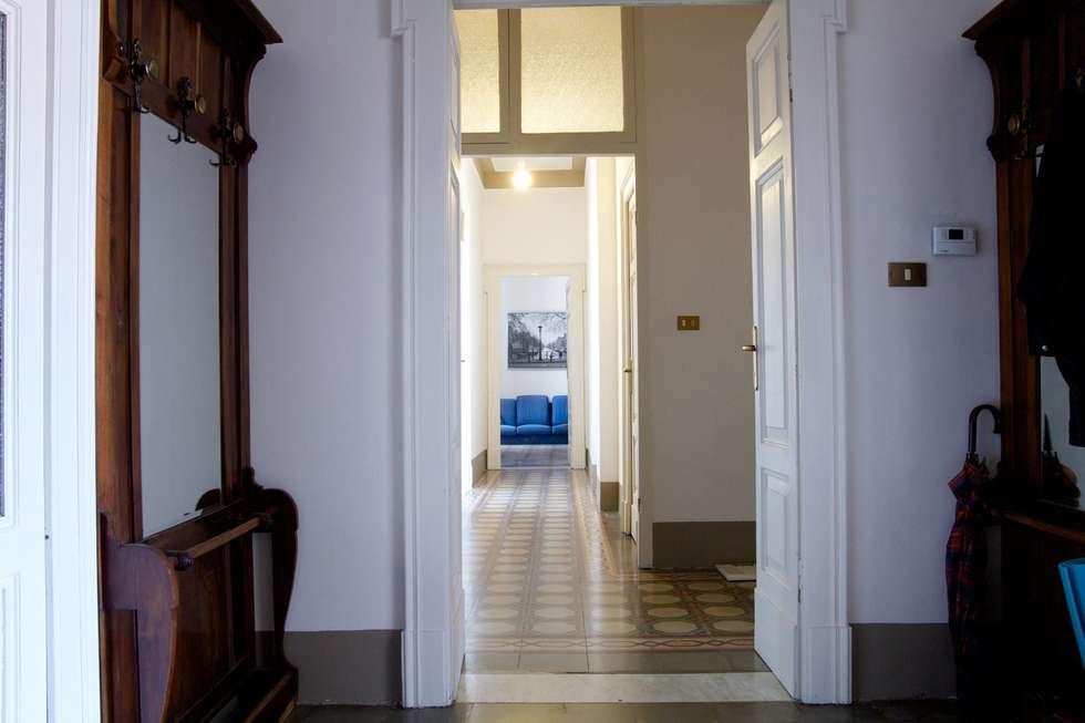 Vista dall'ingresso:  in stile  di Studio tecnico associato 'Il Progetto'
