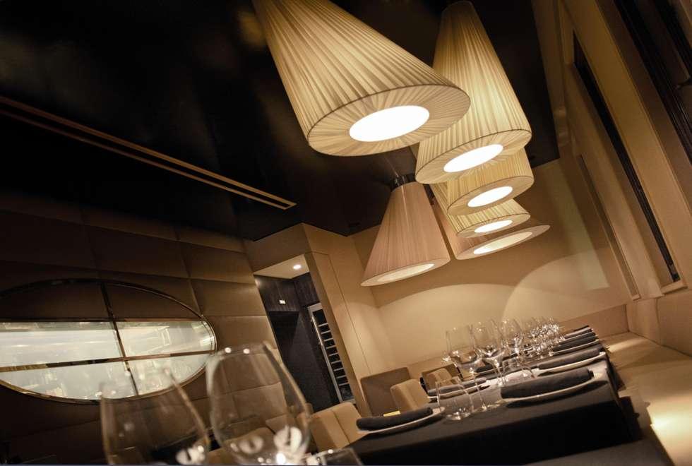sala da pranzo principale: Bar & Club in stile  di Rizzo 1830