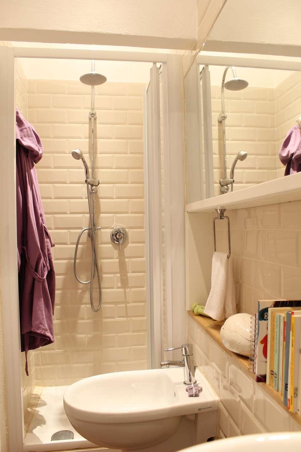 Bagno: Bagno in stile in stile Moderno di Arch. Silvana Citterio