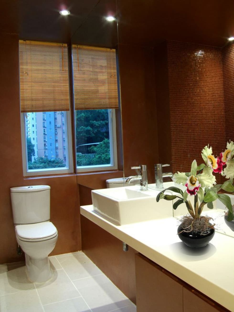 Guest Bathroom.: modern Houses by Oui3 International Limited