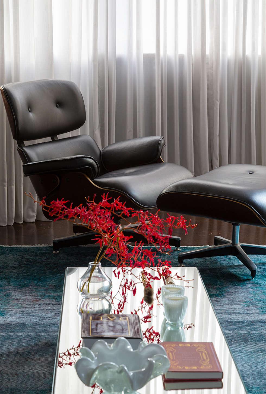 modern Living room by Lore Arquitetura