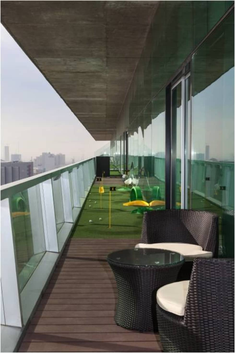 Área de descanso: Terrazas de estilo  por Ofis Design