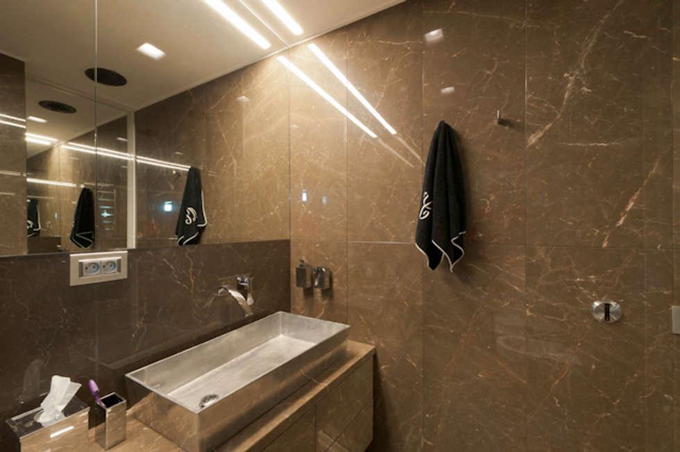 """Casa Joe - bagno master  """"lei"""": Bagno in stile in stile Moderno di studiodonizelli"""