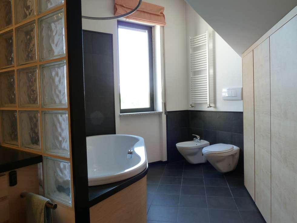 Idee arredamento casa interior design homify - Bagno mansarda non abitabile ...