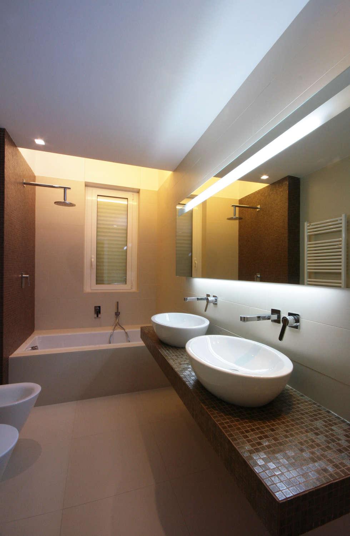 Bagno: Bagno in stile in stile Minimalista di francesco marella architetto