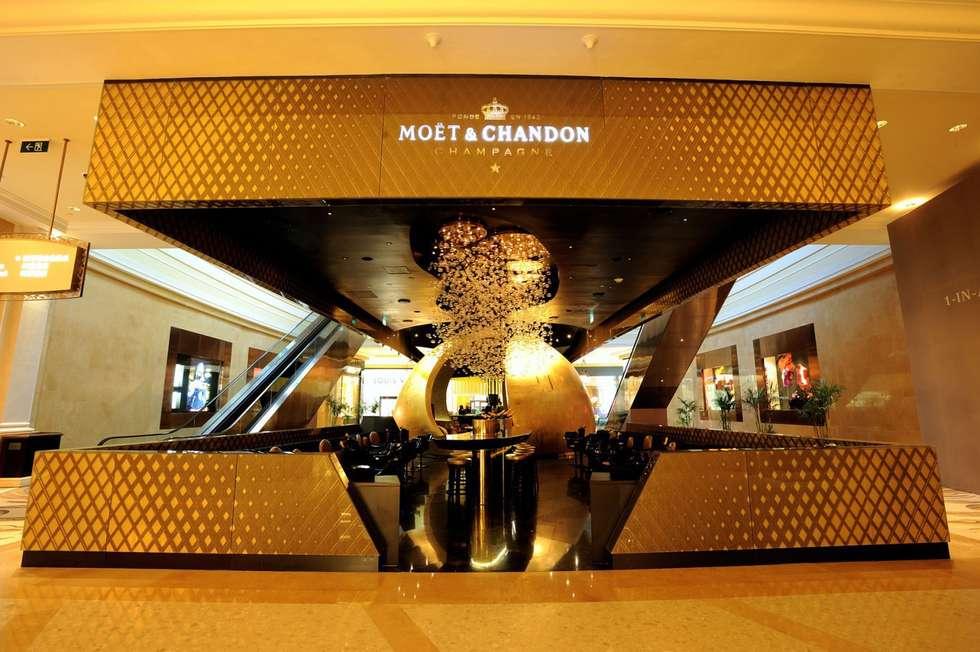 BUBBLE BAR 2008 I Moët & Chandon I Macao:  de style  par Atelier GH