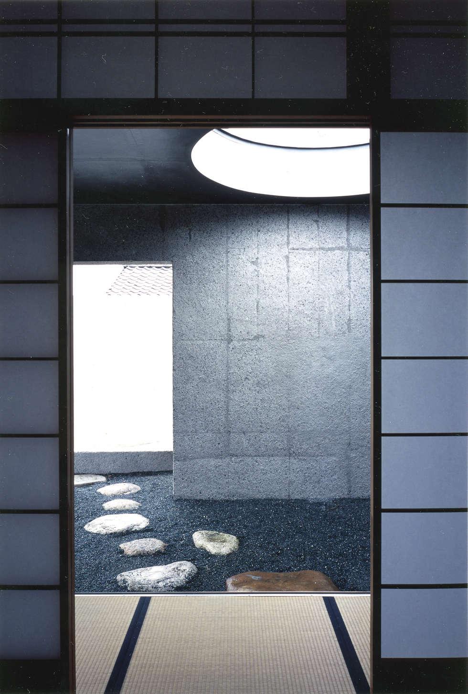 露地の様子: JWA,Jun Watanabe & Associatesが手掛けた和室です。