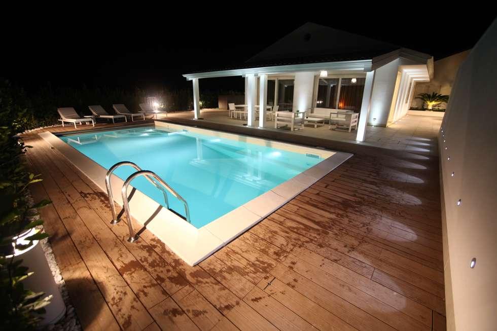 Private Villa in Sicily: Case in stile in stile Minimalista di StudioCR34