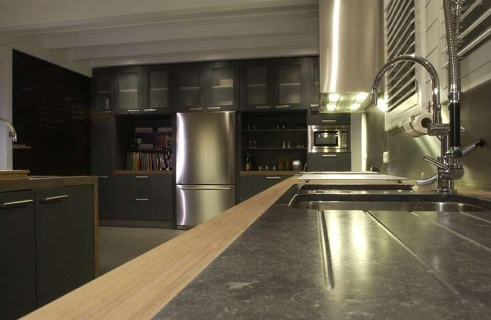 Cuisine équipée :  de style  par Woodline Concept
