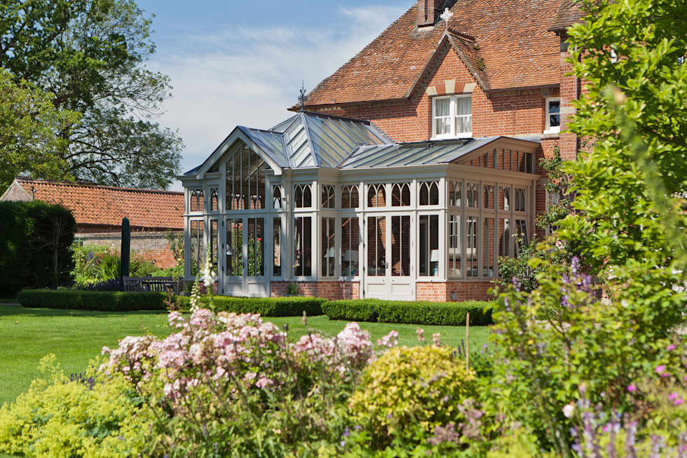 Jardines de invierno de estilo ecléctico de Vale Garden Houses