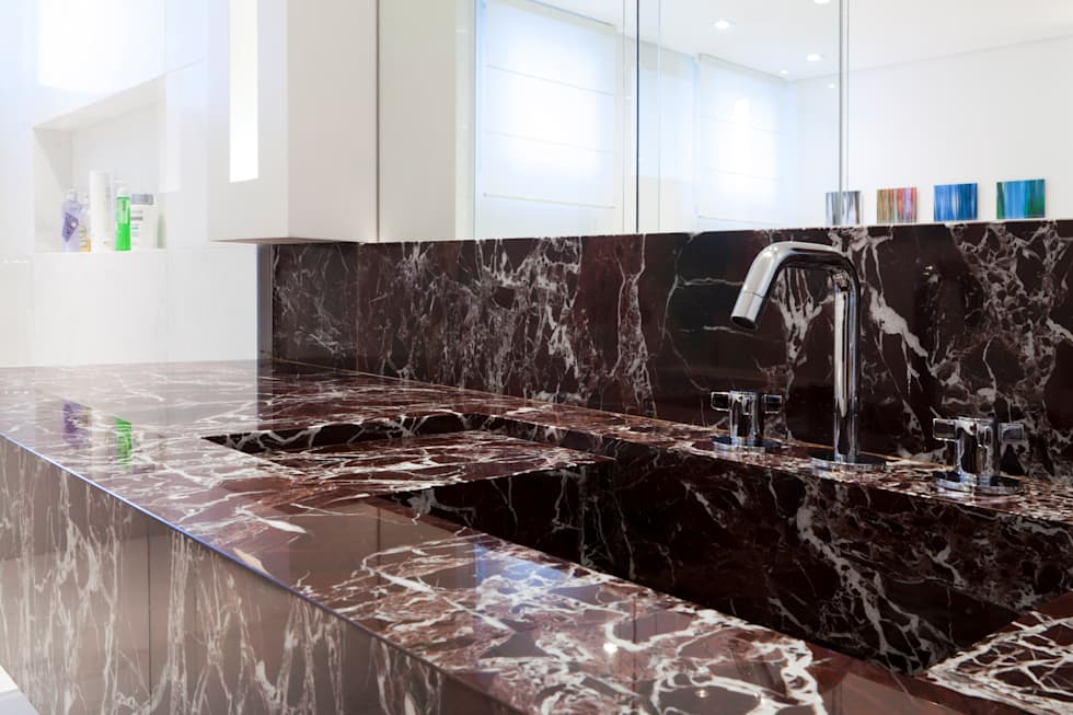 Banheiro casal: Banheiros ecléticos por ArkDek