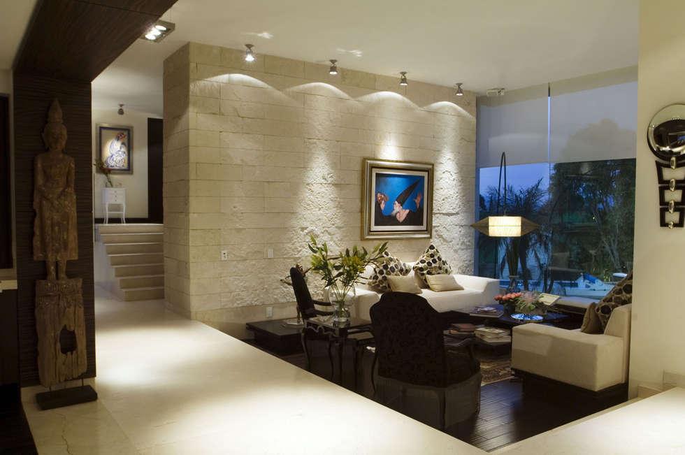 Casa Sauces: Salas de estilo  por ARCO Arquitectura Contemporánea
