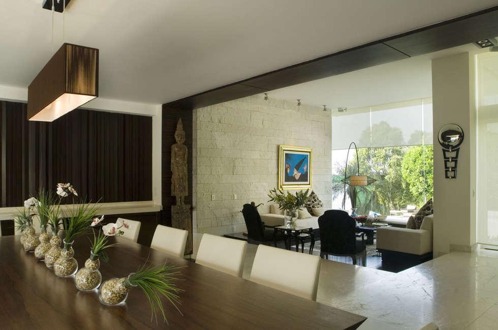 Casa Sauces: Cocinas de estilo  por ARCO Arquitectura Contemporánea