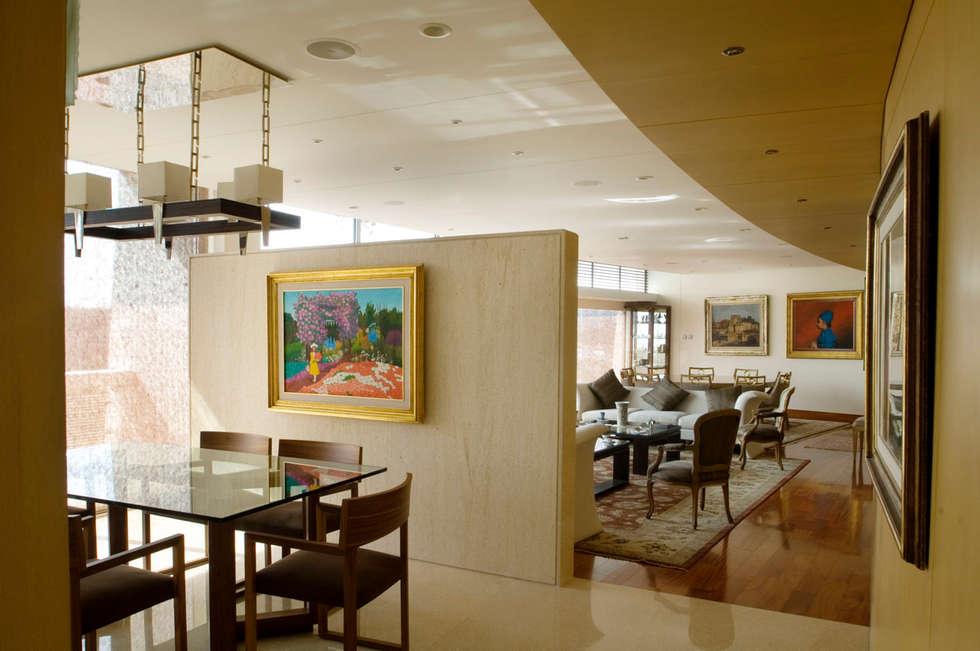 Departamento Vertientes : Comedores de estilo  por ARCO Arquitectura Contemporánea