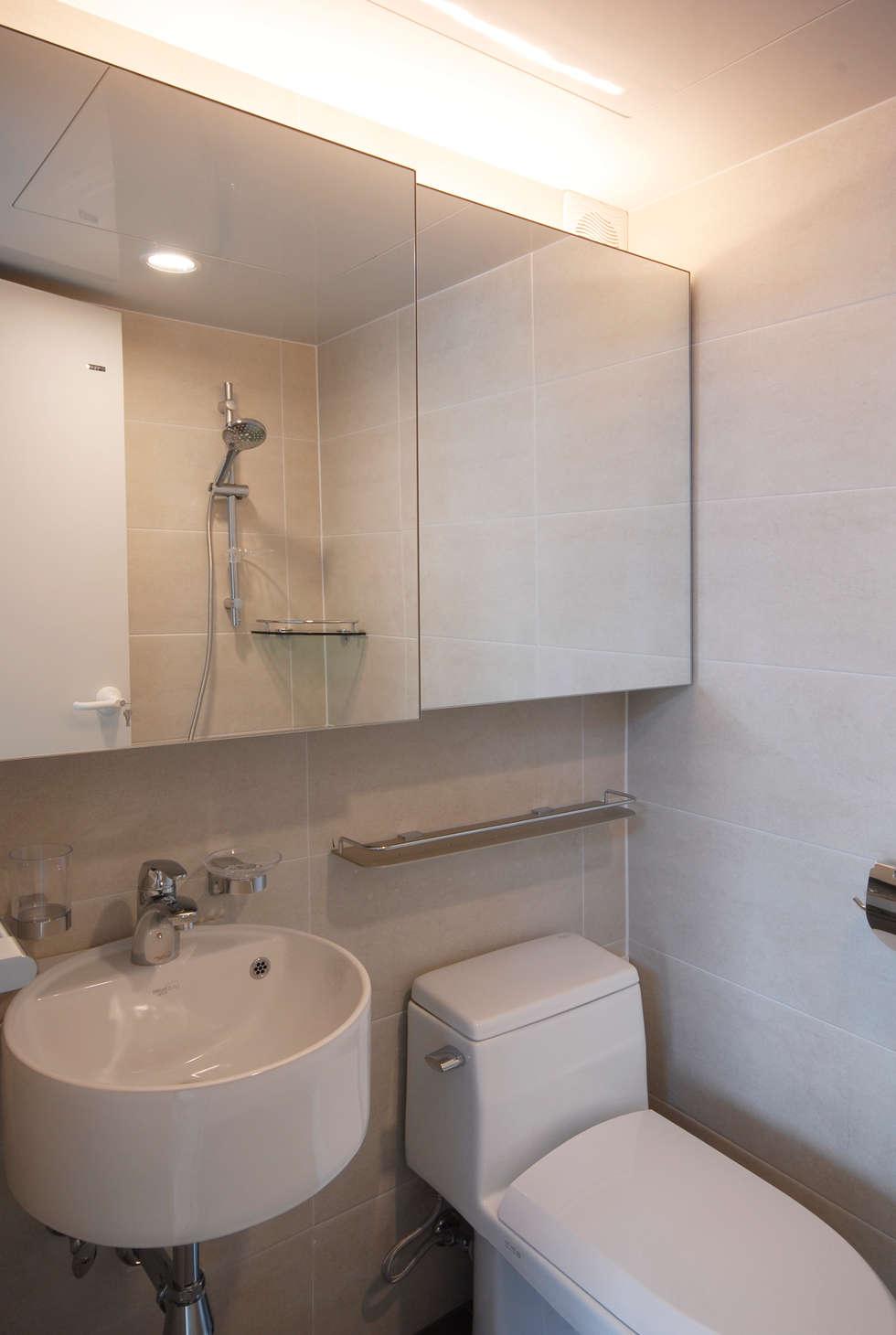 D Apartment (106sqm.): By Seog Be Seog   바이석비석의  화장실