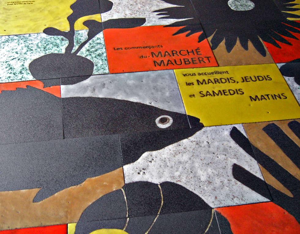 Fresque place parisienne: Murs de style  par ulrike weiss céramiques