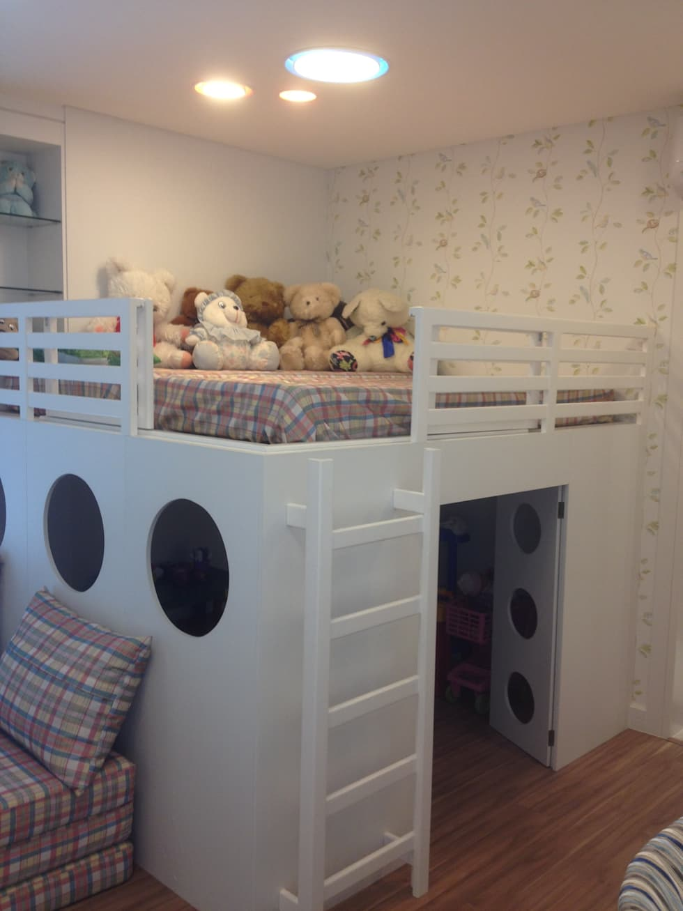 Brinquedoteca/ Espaço de Dormir dos Netos: Quarto infantil  por Juliana Marodin