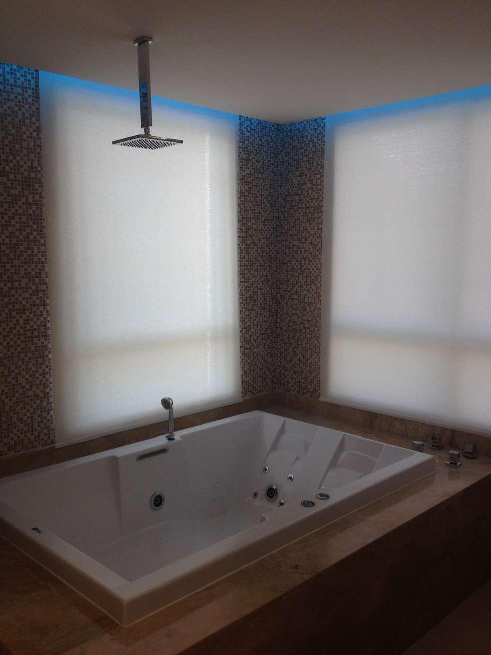 Bwc Master: Banheiros modernos por Juliana Marodin