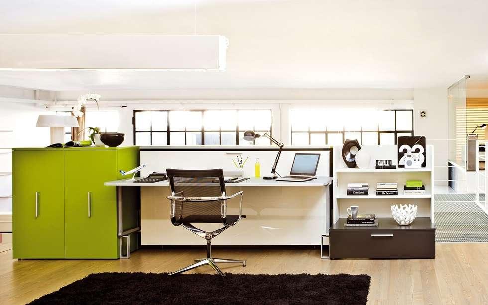minimalistische wohnzimmer bilder: schrankbett & schreibtisch, Hause ideen
