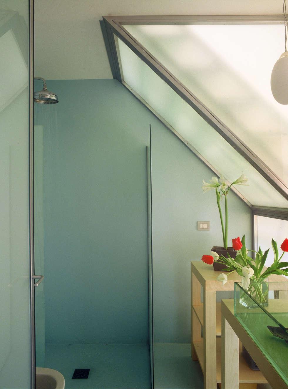 Abitazione Via Kramer: Bagno in stile in stile Minimalista di Milano Design Lab