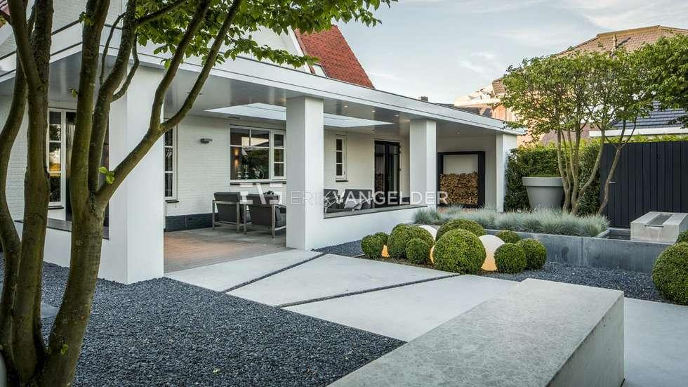 Moderne villatuin middelburg: terras door erik van gelder devoted