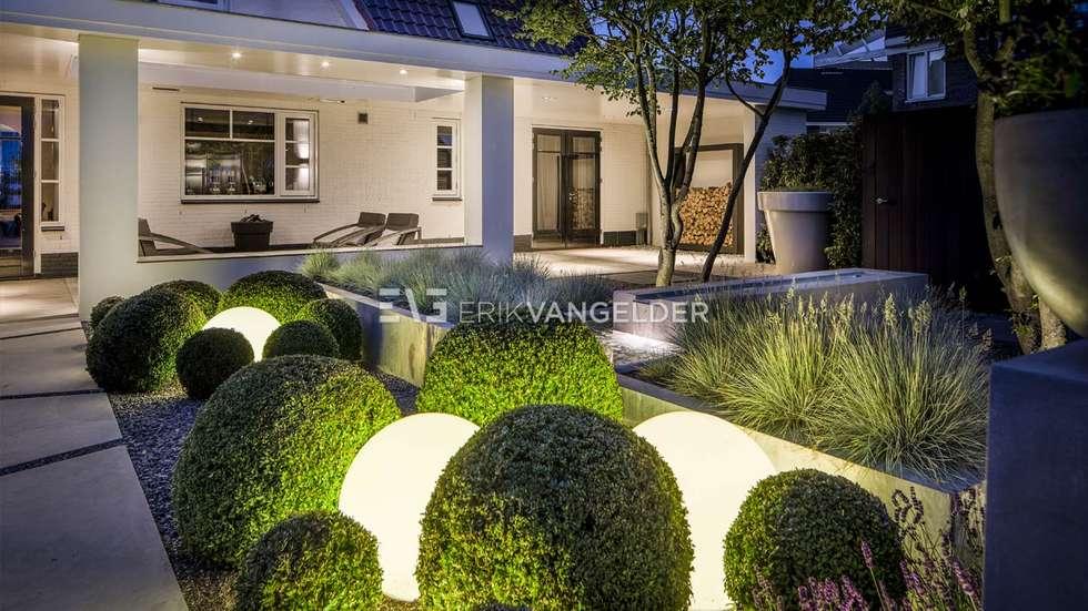 Foto s van een terras moderne villatuin middelburg homify - Tuin layout foto ...
