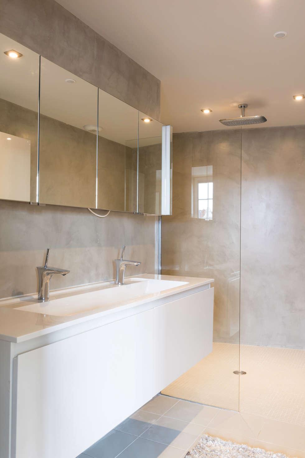 Salle de bain de la suite parentale: Maisons de style de style eclectique par AGENCE JULIETTE VAILLANT ARCHITECTE