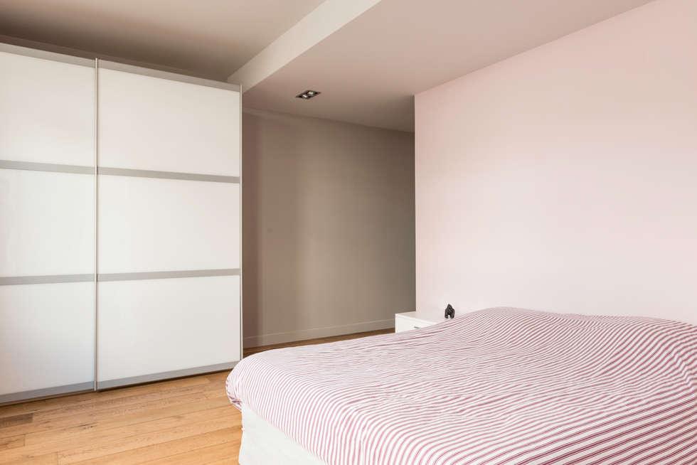 Chambre d'amis: Maisons de style de style eclectique par AGENCE JULIETTE VAILLANT ARCHITECTE