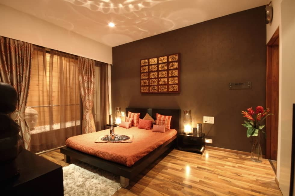 Earthy Brown Master Bedroom Design: modern Houses by shahen mistry architects