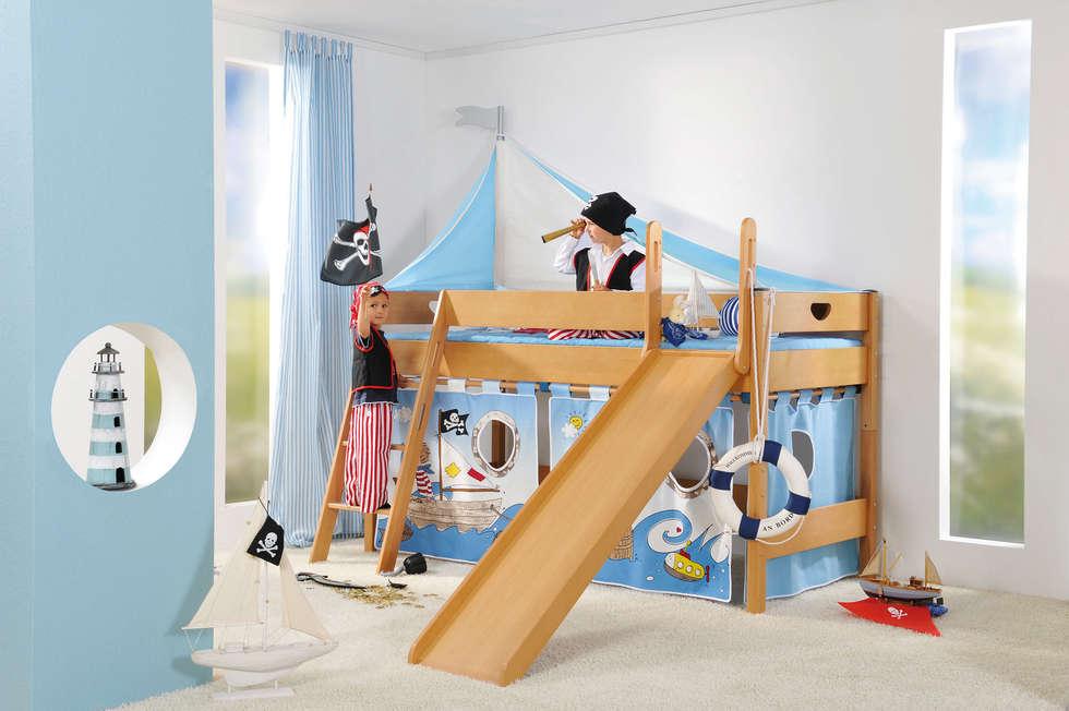 classic Nursery/kid's room by Paidi