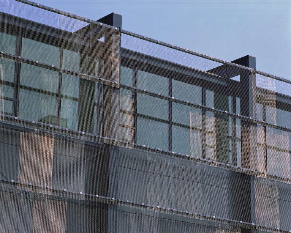 Gevel Reddingmuseum:  Kantoor- & winkelruimten door het architectenforum
