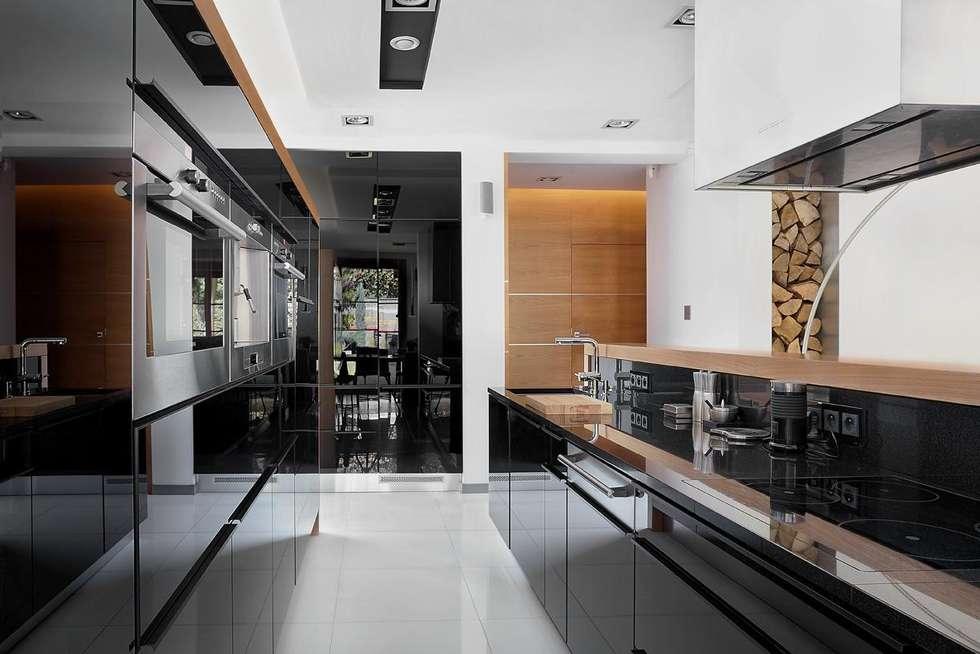 IQube House_: styl , w kategorii Kuchnia zaprojektowany przez ARCHiPUNKTURA .architekci detalu