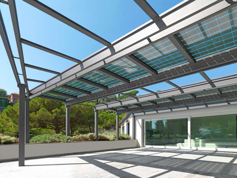 veranda FOTOVOLTAICA: Terrazza in stile  di Cagis