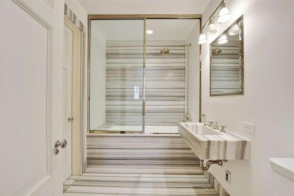 interni bagni bagno in stile di marmi di carrara