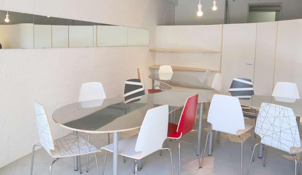 Offices & stores by SHUSAKU MATSUDA & ASSOCIATES, ARCHITECTS