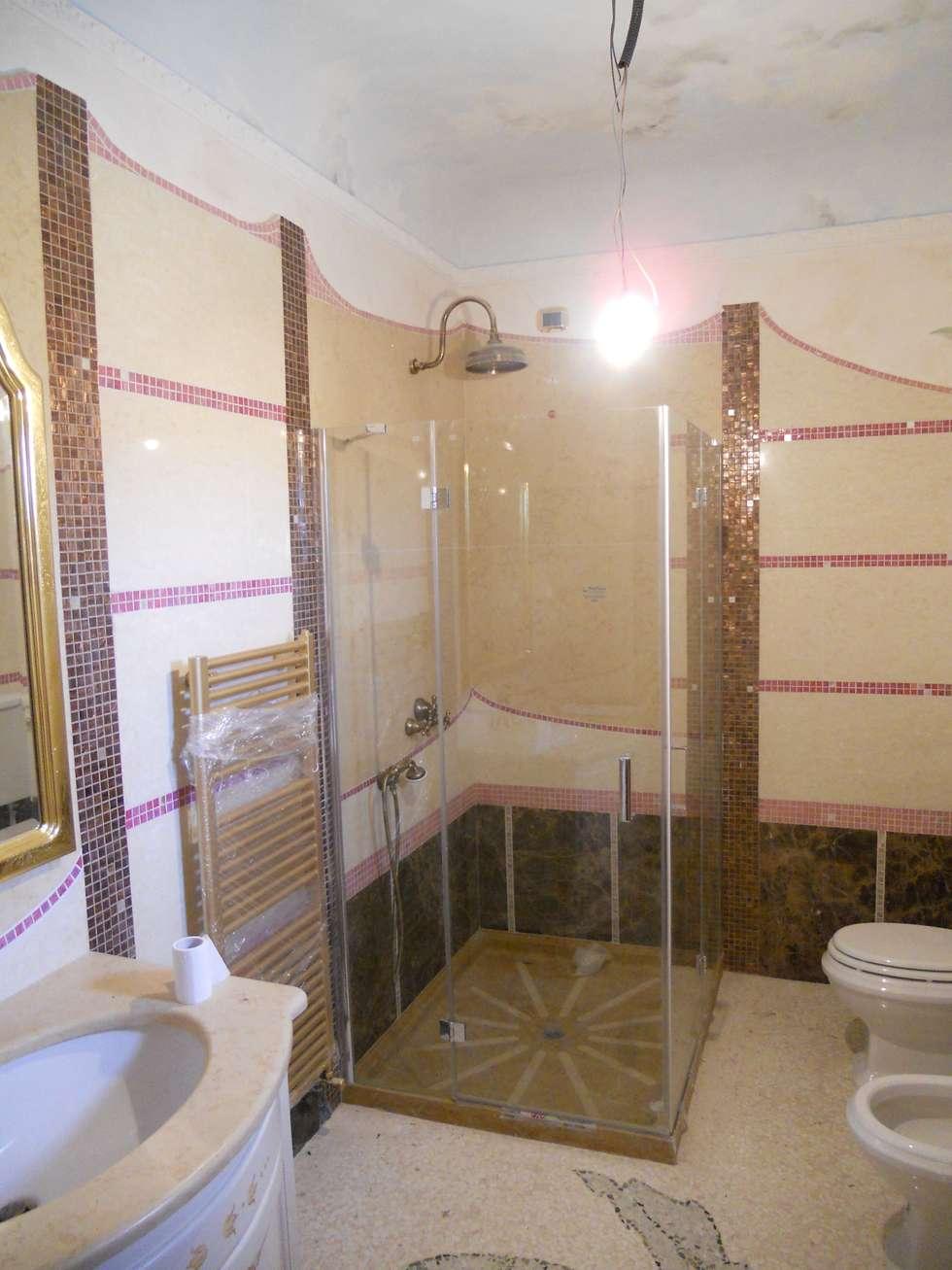 bathroom: Bagno in stile in stile Minimalista di calmaggiore studio associato