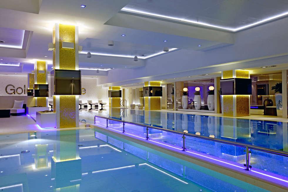 Piscina - Golden Mile SPA (Mosca): Piscina in stile  di Happy Sauna - Wellness Today