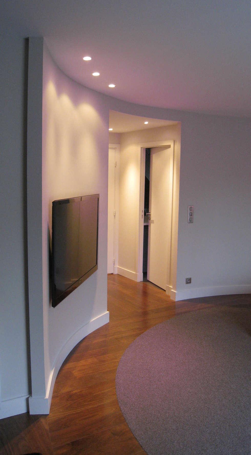 Cloison cintrée en chambre: Maisons de style  par Philippe Ponceblanc Architecte d'intérieur