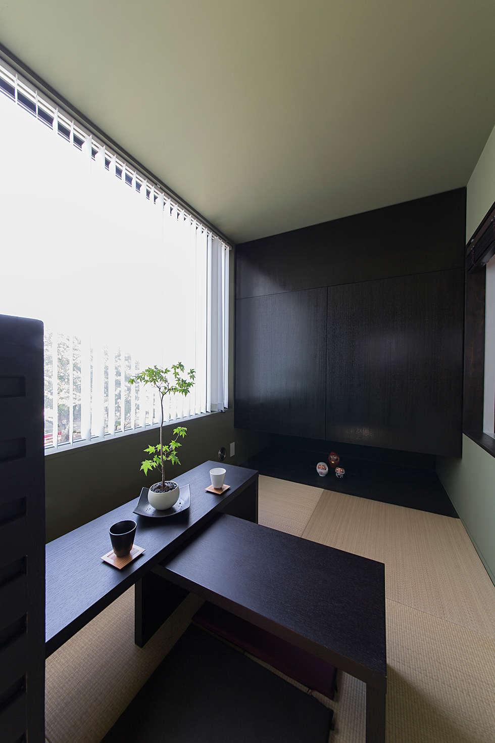 秘密基地のある家: ラブデザインホームズ/LOVE DESIGN HOMESが手掛けた和室です。