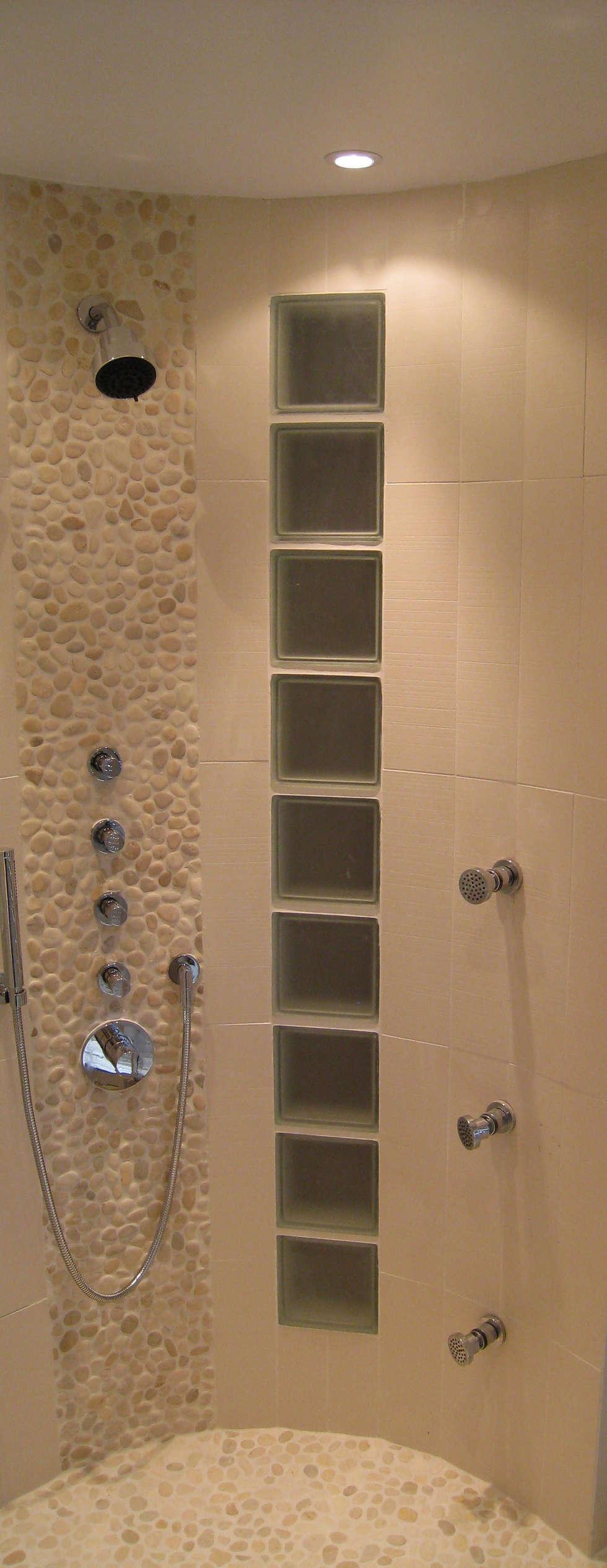 Douche en cylindre : Salon de style  par Philippe Ponceblanc Architecte d'intérieur