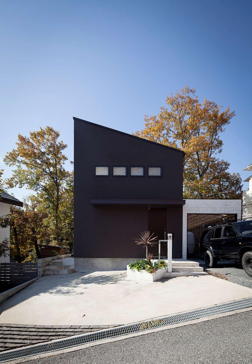 森の緑を楽しむみんなの集まる家: ラブデザインホームズ/LOVE DESIGN HOMESが手掛けた一戸建て住宅です。
