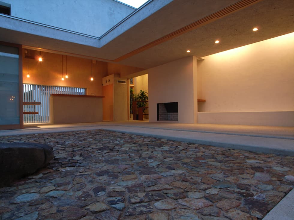 BREATH: 中庭のある家 水谷嘉信建築設計事務所が手掛けた家です。