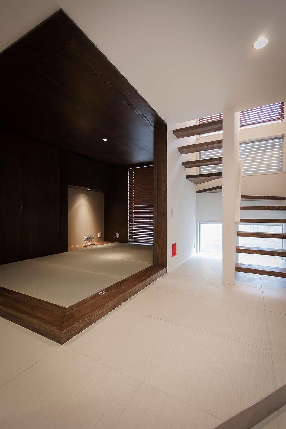癒しのアクアリウムのある家: ラブデザインホームズ/LOVE DESIGN HOMESが手掛けた和室です。
