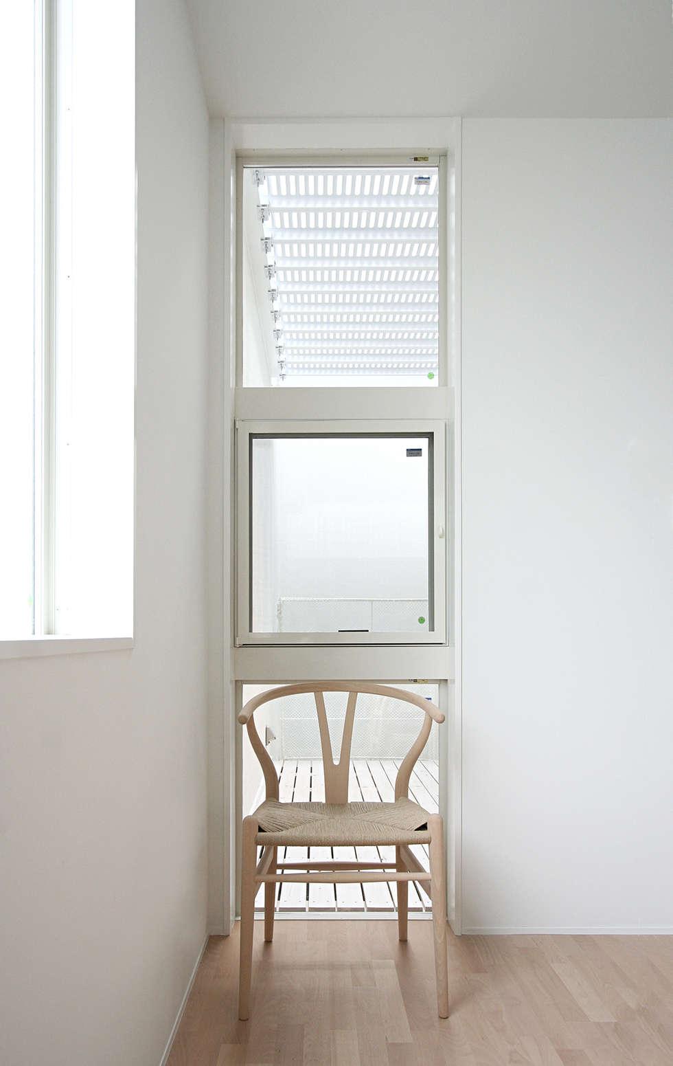 インナーテラスのある明るい住宅: ラブデザインホームズ/LOVE DESIGN HOMESが手掛けたダイニングです。