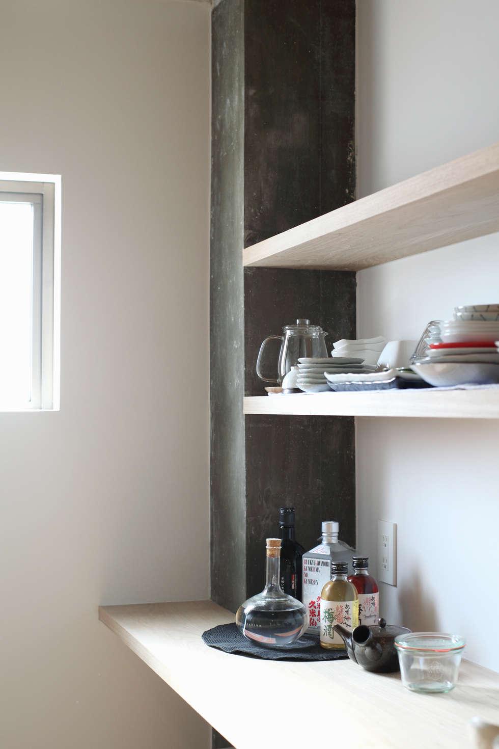 中京区の家/キッチン: 一級建築士事務所 こよりが手掛けたキッチンです。
