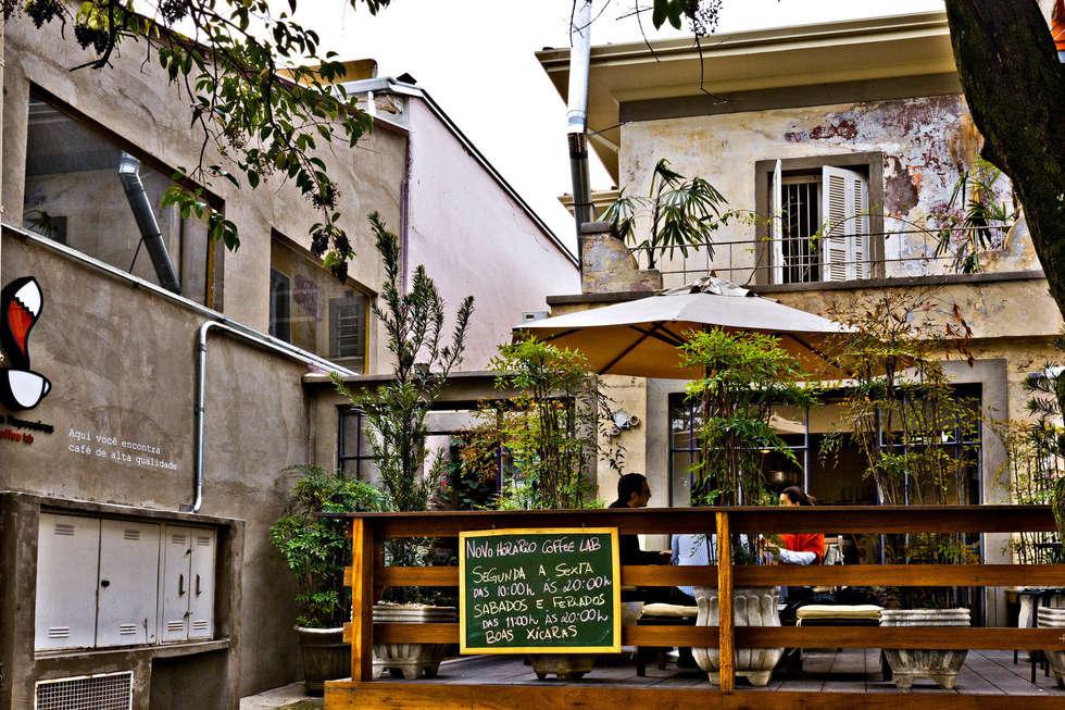 Fachada/Entrada: Espaços gastronômicos  por Enzo Sobocinski Arquitetura & Interiores