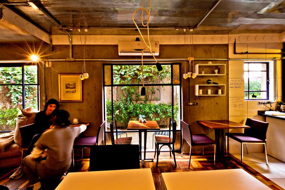 Atendimento/Preparo: Espaços gastronômicos  por Enzo Sobocinski Arquitetura & Interiores