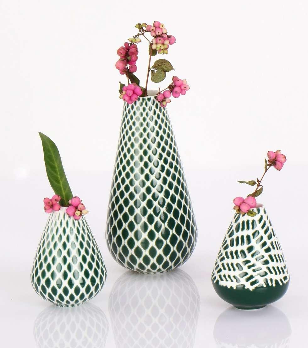 Just-dressed vasen: wohnzimmer von mano design | homify